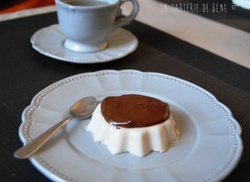 panna cotta vanille tonka et sauce chocolat